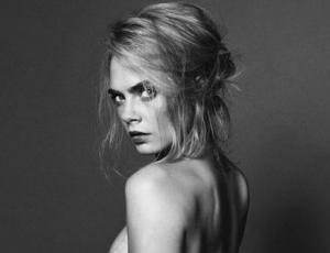 Cara Delevingne posa totalmente desnuda para Esquire