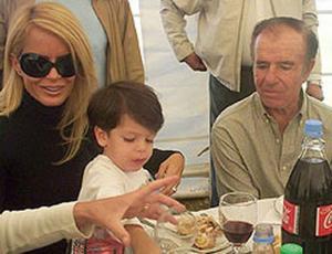 Carlos Menem respondió a su hijo Máximo y culpó a Cecilia Bolocco del distanciamiento