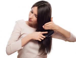 Crean cepillo que indica la salud de tu pelo