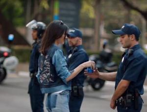 Pepsi baja comercial con Kendall Jenner tras ser duramente criticado