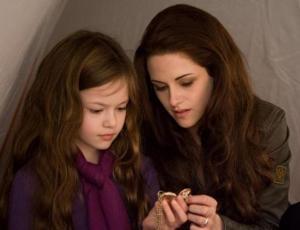 """Así fue el reencuentro entre Kristen Stewart y su hija en """"Crepúsculo"""""""