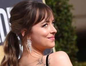 Dakota Johnson se convierte en la mejor vestida en los Golden Globes