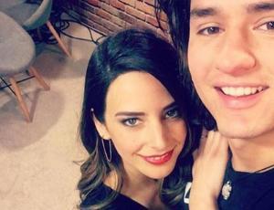 """Daniela Castillo y ex pupilo en """"Rojo"""" confirman romance con fotos"""