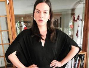 La extraordinaria presentación de Daniela Vega en la alfombra roja de los Critics' Choice Awards