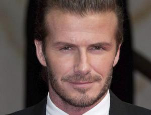 Mira a David Beckham en ropa interior y haciendo 22 flexiones diarias
