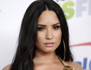 Hermana de Demi Lovato se lanza en picada contra los que llaman gorda a la cantante