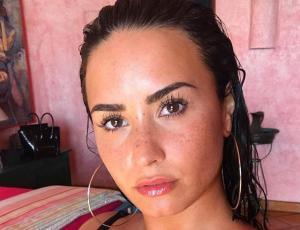 Demi Lovato inicia debate al criticar la alimentación saludable