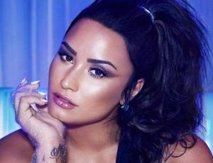Demi Lovato se luce con el estampado del momento