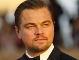 Suegra de Leonardo DiCaprio tiene casi su misma edad