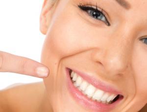 8 alimentos que manchan los dientes