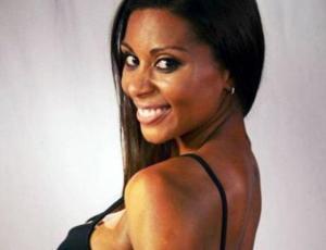 El sensual desnudo de Dominique Lattimore que sacó más de un suspiro en la web