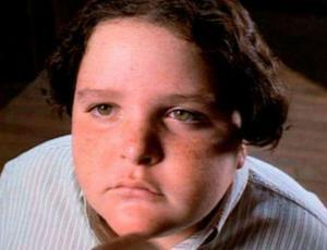"""La irreconocible apariencia del niño """"glotón"""" de Matilda"""