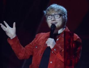 Ed Sheeran se habría casado en secreto con su novia