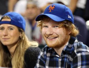 Ed Sheeran anunció su compromiso a través de Instagram