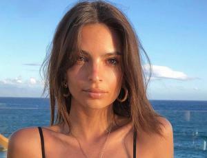 Emily Ratajkowski se oculta de los paparazzis pero llama más su atención