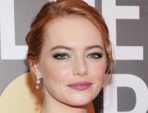 El importante mensaje que tenía el maquillaje de Emma Stone en los Golden Globes