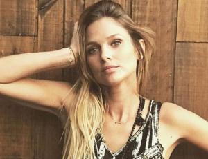 Mayte Rodríguez deslumbra con bikini tejido desde Río de Janeiro
