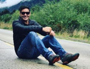 Corista de Luis Fonsi llama la atención por su parecido con Pancho Saavedra