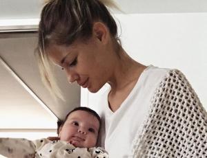 Gala Caldirola responde a usuaria que comentó sobre el aspecto de su hija
