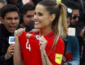 """La romántica recepción de Gala Caldirola al """"Huaso"""" tras partido Chile-Brasil"""