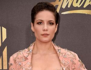 Los destapados looks de Halsey en los MTV Movie Awards 2016