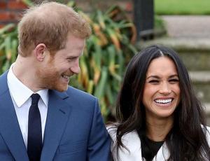 Las comentadas máscaras de Meghan Markle y el príncipe Harry que no se parecen a ellos