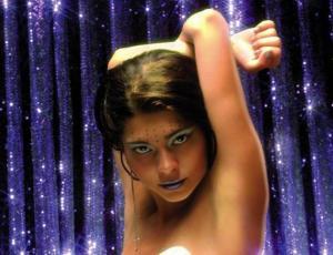 """Antonella Ríos revive sensual portada de la película """"Los Debutantes"""""""