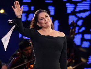 Isabel Pantoja frontal: enfrentó a quienes hablaban durante su show en Viña 2017