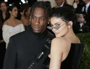 Kylie Jenner y Travis Scott levantan rumores de compromiso