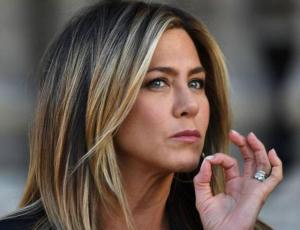 """El ejercicio que le sirve a Jennifer Aniston para tonificar el """"chaito"""" a los 49 años"""