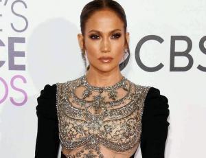 Fisicoculturista impacta con su parecido a Jennifer Lopez