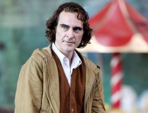 Revelan las primeras imágenes de Joaquin Phoenix con el maquillaje del Joker