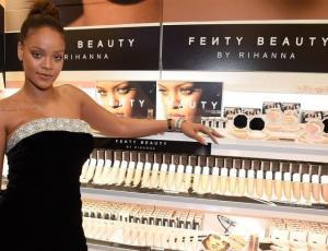 """La razón por la que las colecciones de moda y belleza de Rihanna se llaman """"Fenty"""""""