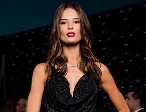 El sentador enterito que escogió Julia Fernández para lucirse en el Copihue de Oro 2017