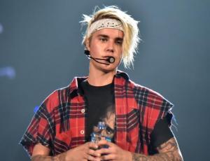 Justin Bieber llevó a su nueva novia a la iglesia