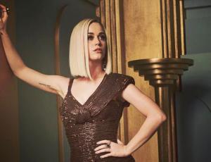 Katy Perry estrena radical cambio de look