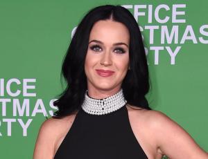 Katy Perry  sorprendió con radical cambio de look