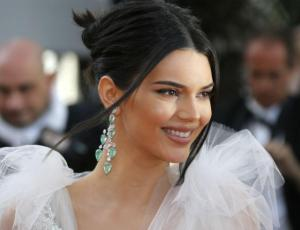 Kendall Jenner es captada muy acaramelada con nueva conquista