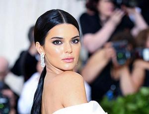 Kendall Jenner confesó por qué es extraño ver a Kylie de mamá