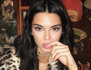 Kendall Jenner no deja de lucir el atributo Kardashian