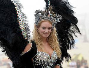 Kika Silva mató con desfile de ángel y baile salvaje