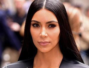 Kim Kardashian aparece rubia y despampanante en la NYFW