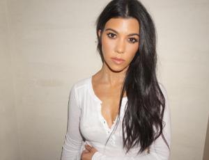 """El look """"encuerado"""" de Kourtney Kardashian"""