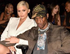 Travis Scott cuenta cómo se sintió en el parto de Kylie Jenner