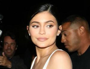 Crean versión económica del enterito que Kylie Jenner usó en su cumpleaños