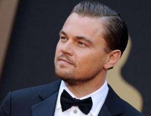 Leonardo DiCaprio revoluciona la web con adelanto de su última película junto a Brad Pitt