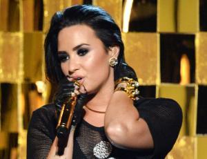 Demi Lovato envió un potente mensaje con su presentación en los Billboard