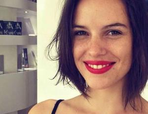 Luciana Echeverría sorprende con sensual imagen en traje de baño