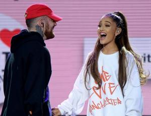 Ariana Grande enciende rumores de compromiso con enorme anillo