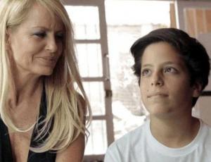 Hijo de Cecilia Bolocco revela que no lo dejan hablar con su papá